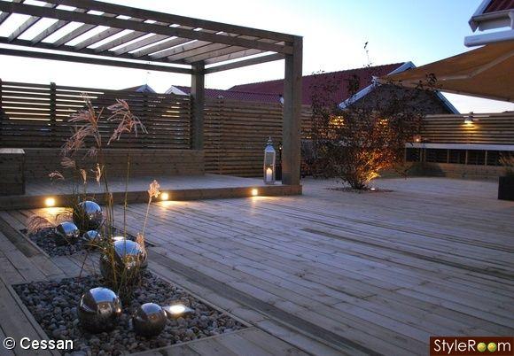 pergola,trädäck,utebelysning,inbyggd plantering