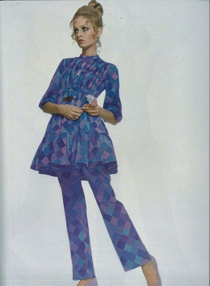 Photos By Justin De Villeneuve 5 Geometric Print And Pattern Pinterest Fashion Mag Twiggy