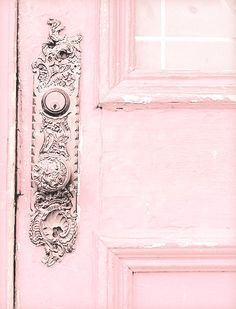 Discover a pink world of inspirations at http://insplosion.com/inspirations/