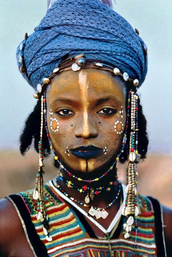 40 Magnificent Tribal Art Examples Around The World - Bored Art   Wodaabe man   Tahous Niger 1986