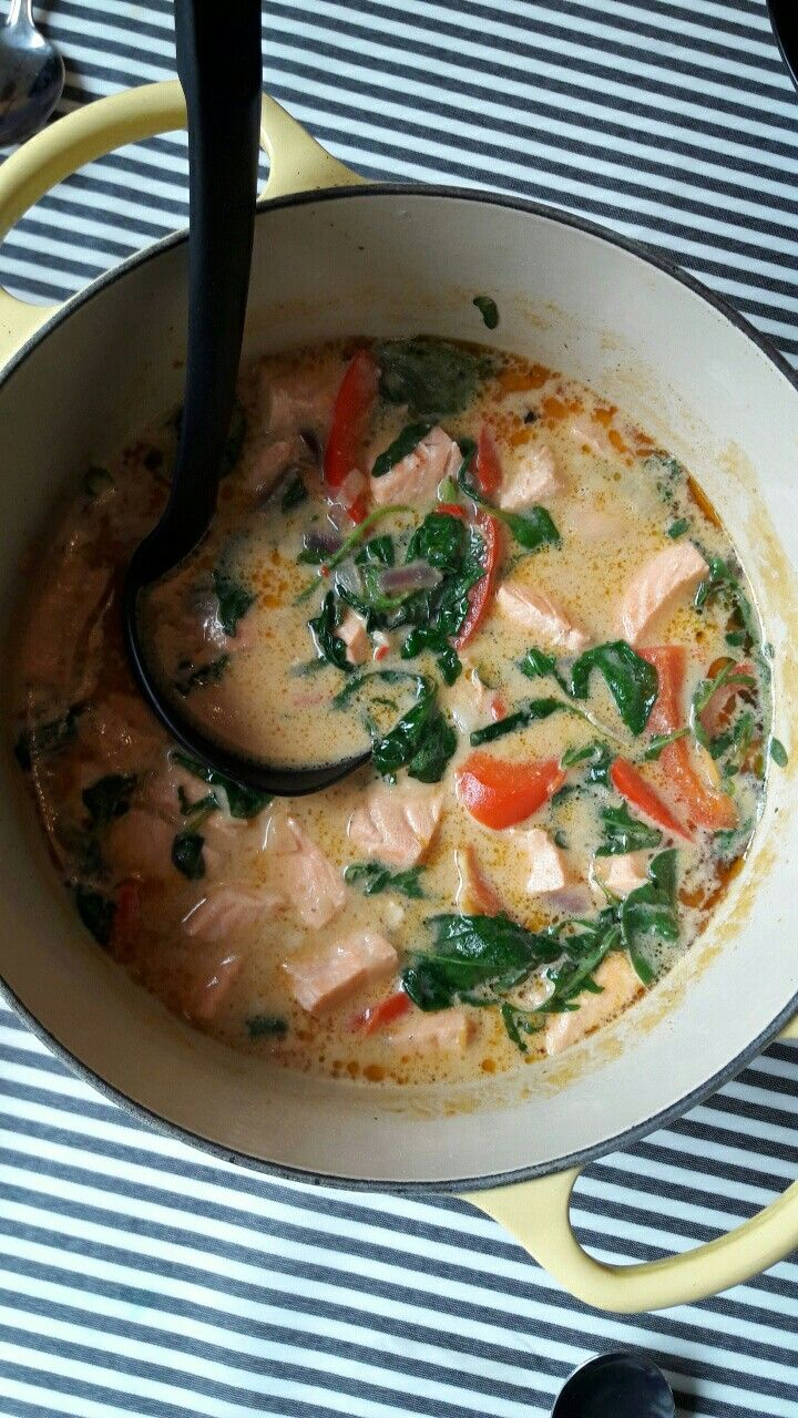 Laks i curry fra Trines matblogg. Super god sammen med ris!