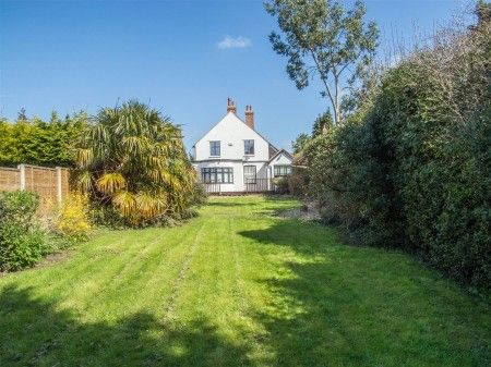 Older #style #detached house situated in the heart of the highly sought-after #village of #Bearsted in #Maidstone #Kent. #property #properties #gardens #dreamhome