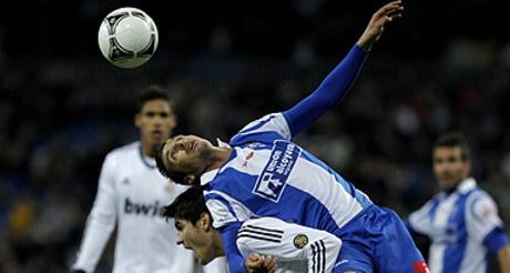 El Bernabéu pita a Mourinho en el triunfo ante el Alcoyano (3-0)