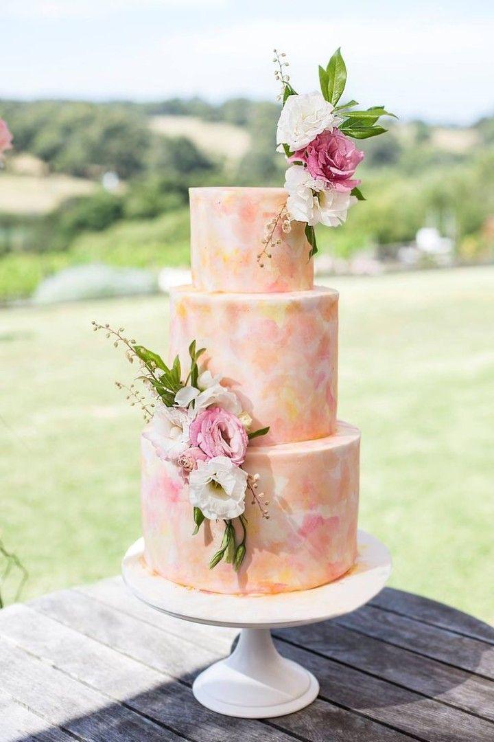 20 Perfectly Whimsical Wedding Cakes - MODwedding
