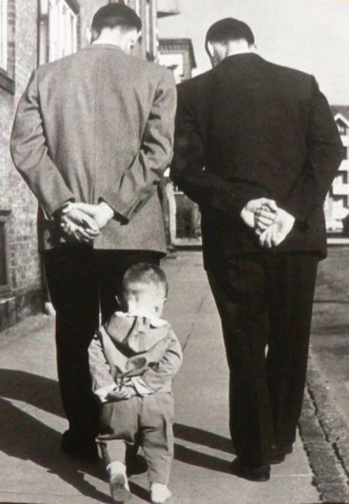 .: Robertdoisneau, Little People, Black And White, Big Boys, Funny Stuff, Robert Doisneau, Old Photographers, Father, Kid
