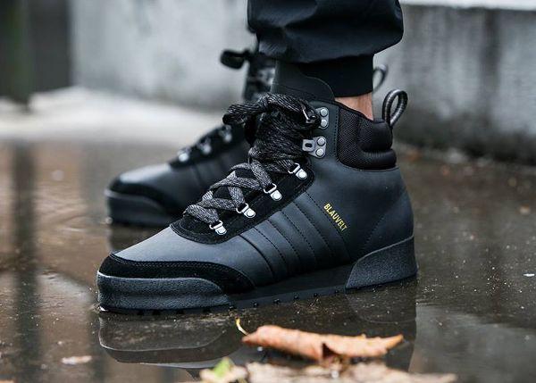 Découvrez la Adidas Jake Blauvelt Boot 2.0 Core Black, une basket pour homme en cuir noir imperméable (collection automne 2015).