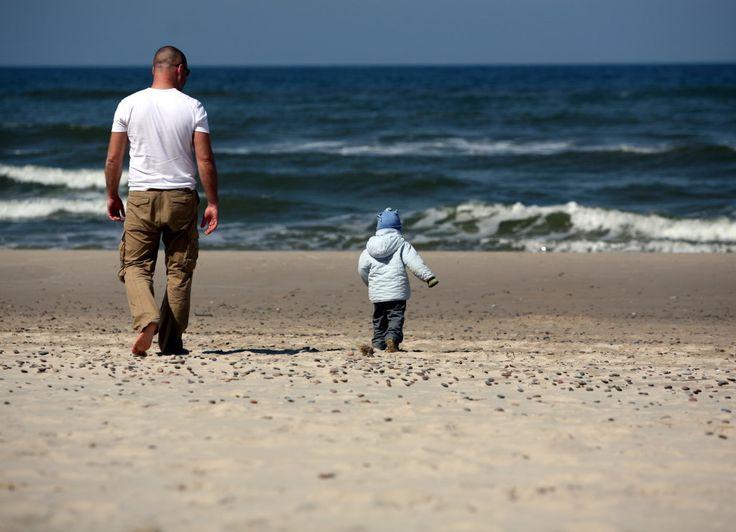 Tata i syn | Father and son #bałtyk #morze #baltic #sea #seaside #poland #polska #visitpoland #seeuinpoland