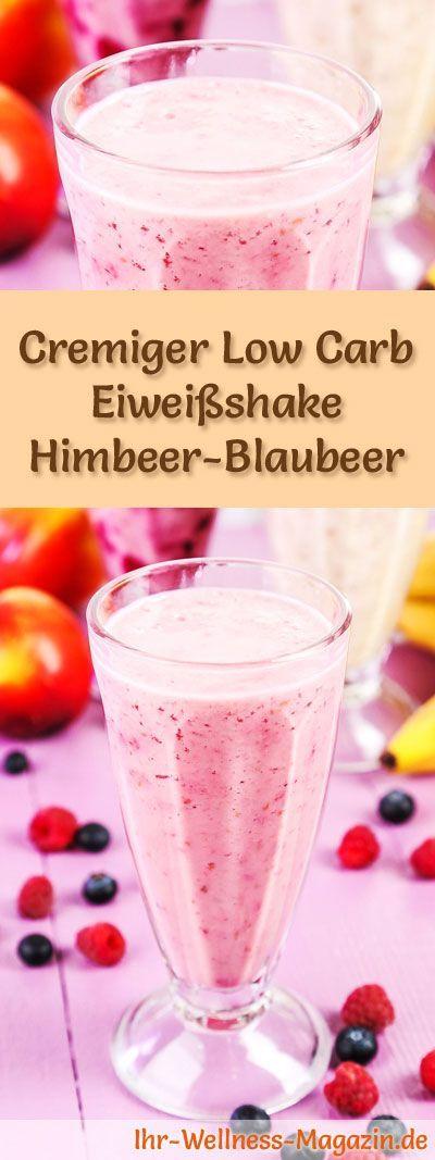 Eiweißshake mit Himbeeren und Blaubeeren selber machen - ein gesundes Low-Carb-Diät-Rezept für Frühstücks-Smoothies und Proteinshakes zum Abnehmen - ohne Zusatz von Zucker, kalorienarm, gesund ...