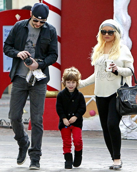 Matthew Rutler,Max Bratman & mom Christina Aguilera went holiday shopping at The Grove in L.A. on Dec.13,2012