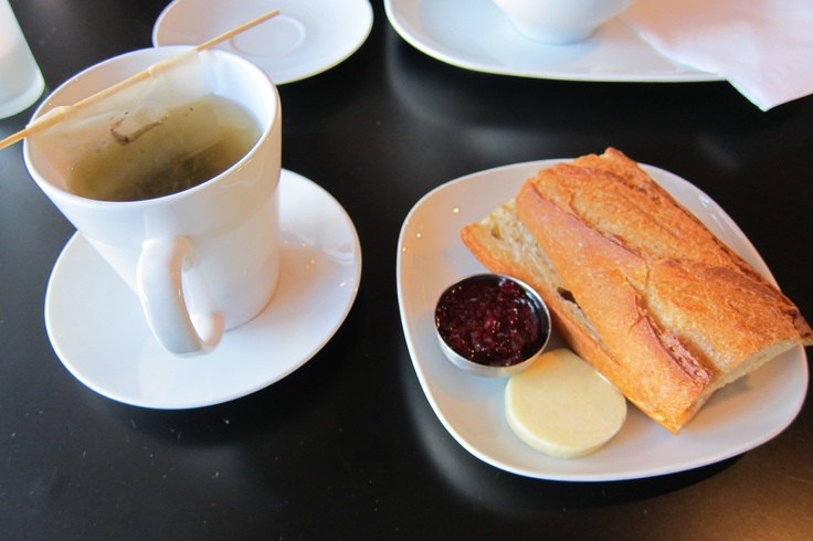 Papaya tea and a fresh baguette breakfast from a little cafe in Woodstock, VT