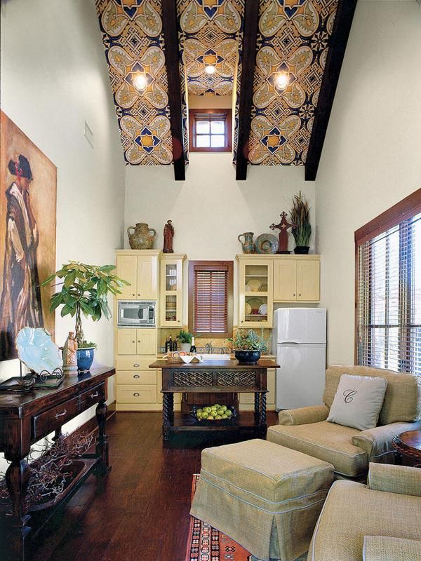 Texas Ranch Home... I love the ceiling!