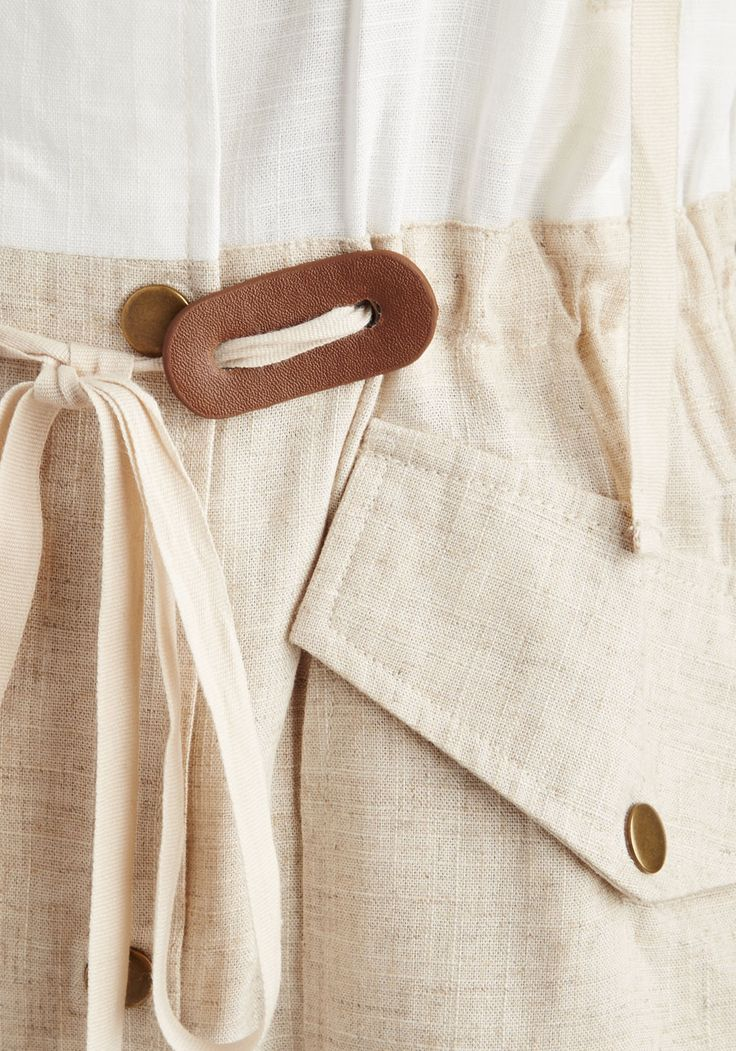 New England Inclination Jacket. You have a temperament for foggy mornings and historic towns, and in this white-and-tan colorblocked jacket, you have the style to match! #cream #modcloth