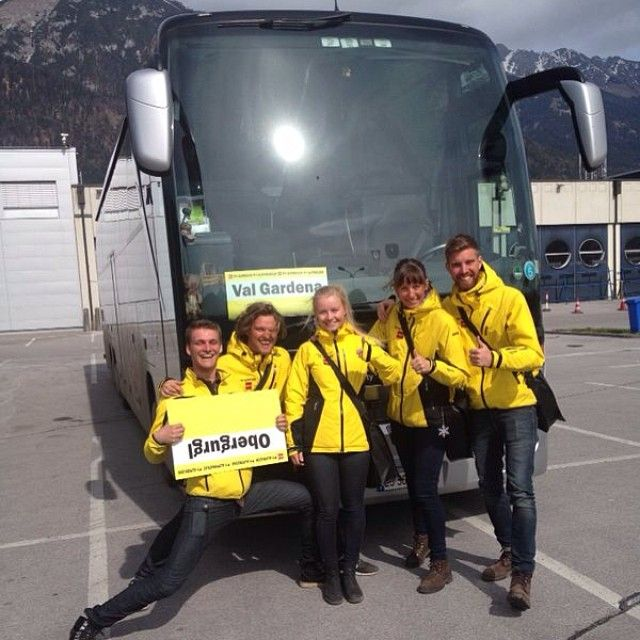 Innsbruck team represent! Time to welcome the new guests to the Alps! In the picture you can see our lovely colleagues from St. Anton, Cortina, Obergurgl and Ischgl. It's going to be a great week ahead of us! #alpstaffeten #stsalpresor #skists #valgardena #innsbruck #saturday #transfer #colleagues