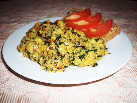 Vegan Green Eggs and Mushrooms :http://sweetlyradiant.com/vegan-green-eggs-and-mushrooms/