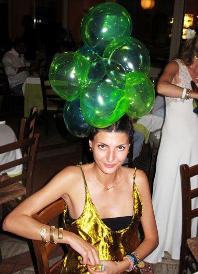 GIOVANNA BATTAGLIA, balloon hat