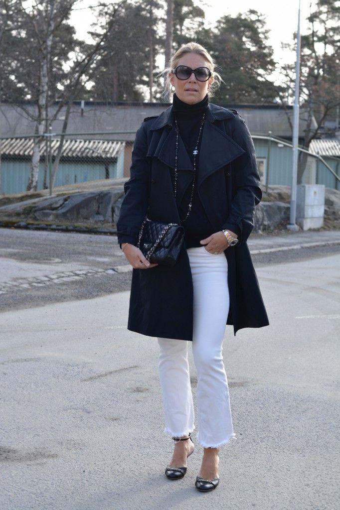 Trenchcoat-chanel-gucci-ootd-dagens-outfit-chanel-väska-modeblogg-gucci-skor-hm-kickflare-vita-jeans