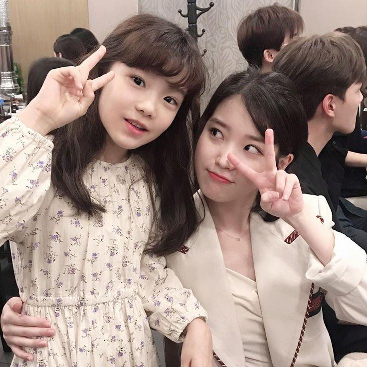 Pin oleh ☁ 장만 울 ☪☁ di IU   Selebritas, Aktris, Kecantikan