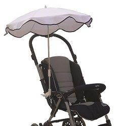 L'ombrellino parasole Baby's Clan è realizzato in 100% cotone ed è disponibile in vari colori. E' dotato di un attacco universale regolabile in larghezza. Può essere fissato a tutti i modelli di passeggino. Una volta fissato, l'ombrellino può essere inclinato a seconda delle esigenze in 10 diverse posizioni tramite un pulsante posto alla base dell'attacco. Inoltre una molla posta alla base del manico permette un'ulteriore inclinazione o posizionamento dell'ombrellino.
