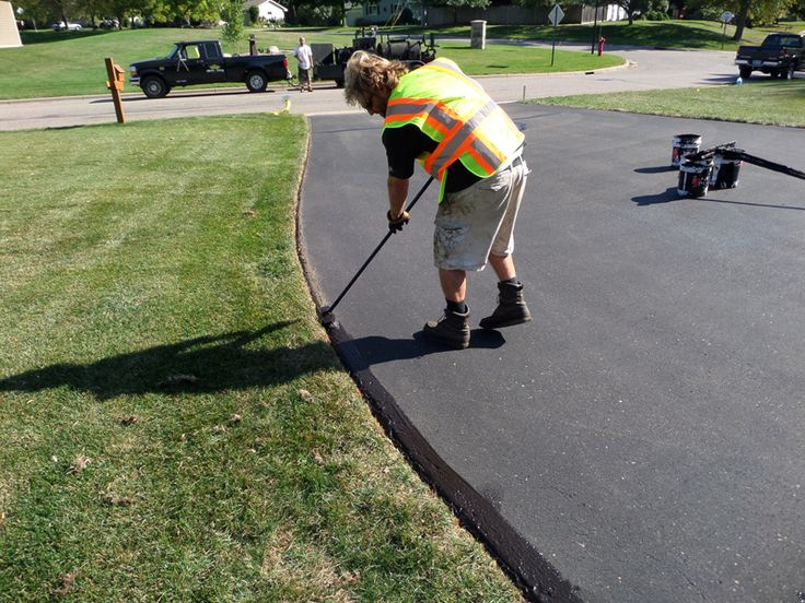 How Much Does an Asphalt Driveway Cost?   Angie's List