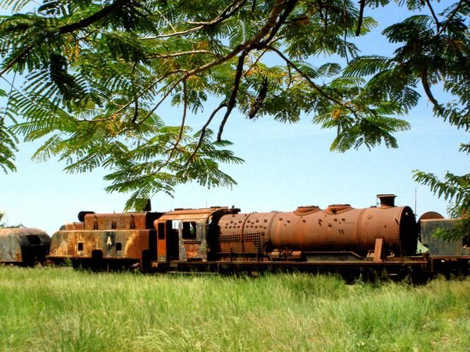 Unidentified CFB class 10D at Kunge (Kuito) Angola - site now cleared for rebuilding of the CF Benguela