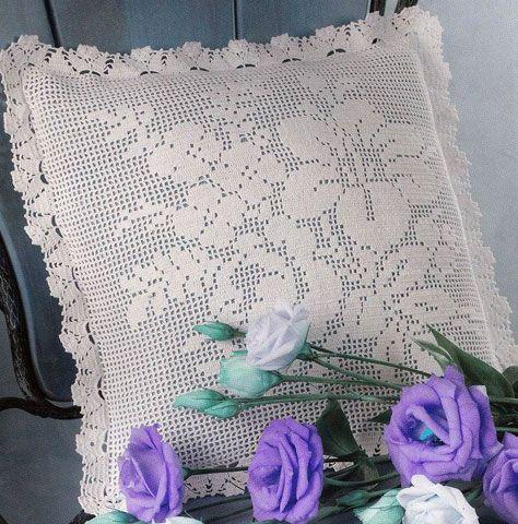 Схема вязания крючком филейной наволочки с букетом полевых цветов