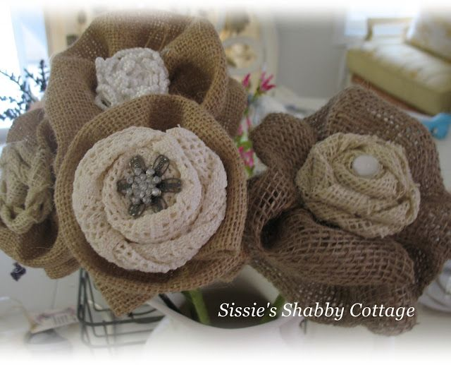 Sissie's Shabby Cottage: Old Bed Springs, Burlap and Chalkboard Paint