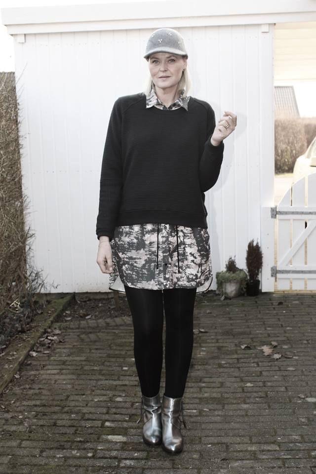Smukke Malsen i forårs humør og outfit ;-) http://www.malsen.dk/2015/03/forarsrengoring-og-spraglet-outfit/#more-31667 http://www.blackswanfashion.dk/produkt-visning/flavia-sweat-top.aspx http://www.blackswanfashion.dk/produkt-visning/felisha-shirt-dress.aspx http://www.blackswanfashion.com/product-view/flavia-sweat-top.aspx http://www.blackswanfashion.com/product-view/felisha-shirt-dress.aspx