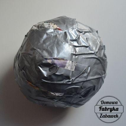 Jak zrobić piłkę z gazety, diy dla dzieci
