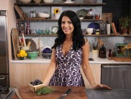Simply Laura new series on Cooking Channel. Host web sensation, Laura Vitale. Saturdays 1:30 EST  Check it out!!