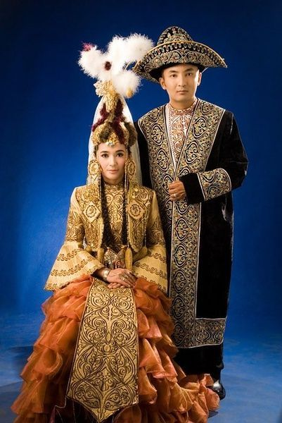 любимая казахи в национальных костюмах фото нил