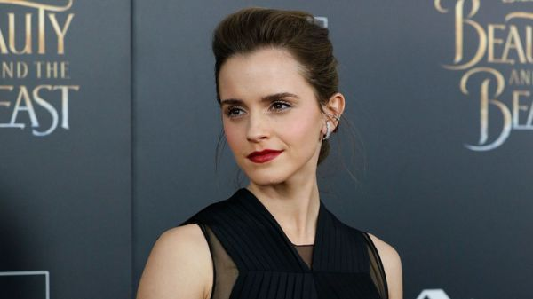 Actresses Emma Watson and Amanda Seyfried faced the leak of unauthorized photos of themselves, including photos of Watson in underwear and bathing suits.