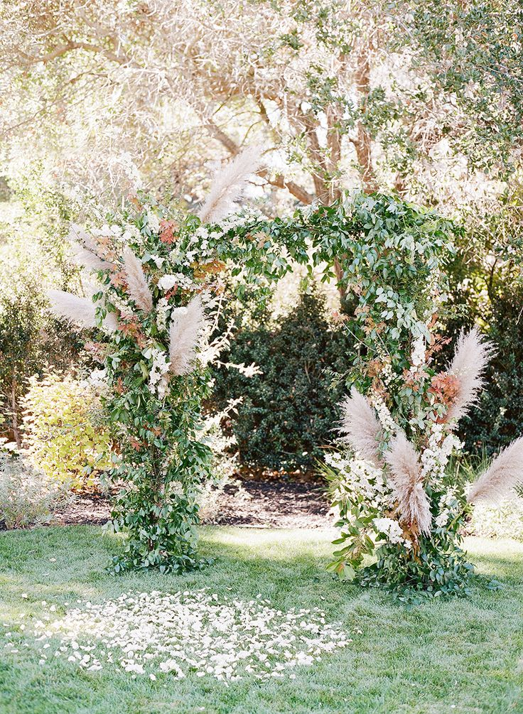 Floral Design: Studio Mondine - http://www.stylemepretty.com/portfolio/studio-mondine Event Planning: One Big Fish Events - http://www.stylemepretty.com/portfolio/one-big-fish-events Photography: Lacie Hansen - laciehansen.com   Read More on SMP: http://www.stylemepretty.com/2016/03/24/a-modern-take-on-the-backyard-wedding/