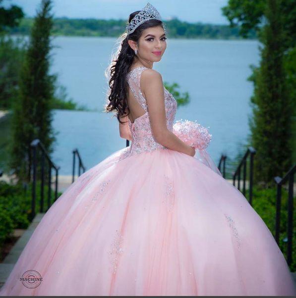 Vestidos de Quinceanera   Quinceanera Dresses   Dream Machine Photography   Instagram: @ Quinceanera