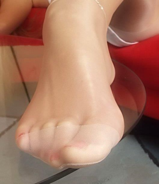 Pantyhose foot closed up gallery