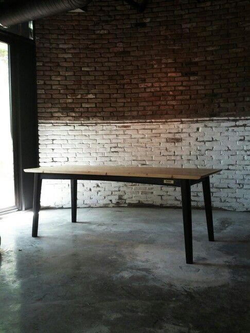 table - kahn design studio ( korea/ daejon )