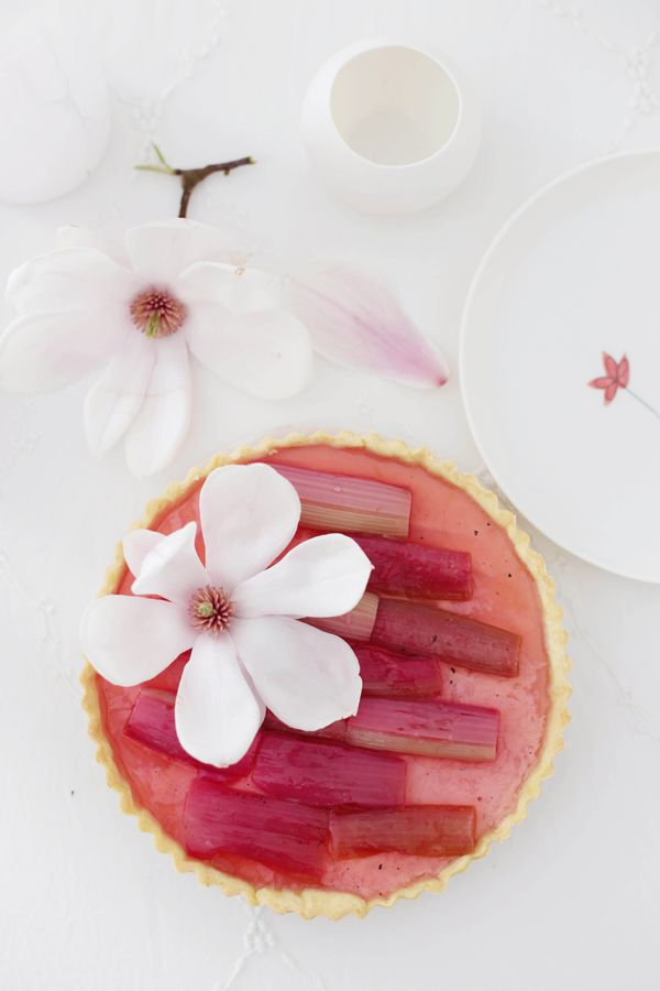 Elderflower & Rhubarb Panna Cotta Tarte Recipe
