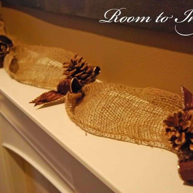 Pine cones burlap things i for Things to make with fir cones