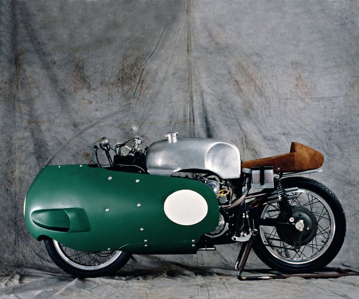 Moto Guzzi 500 - V8 with dustbin fairing.