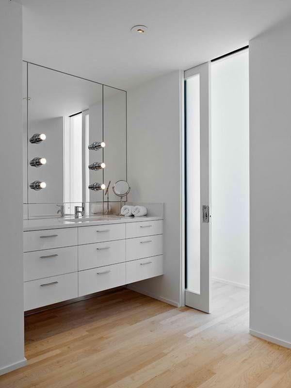 Strak weiße Badezimmer kann Ihr Schlafzimmer Gestaltung