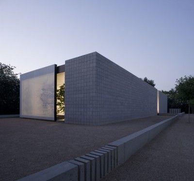 Meadowbrook Residence, Phoenix, Arizona by Jay Atherton Architect