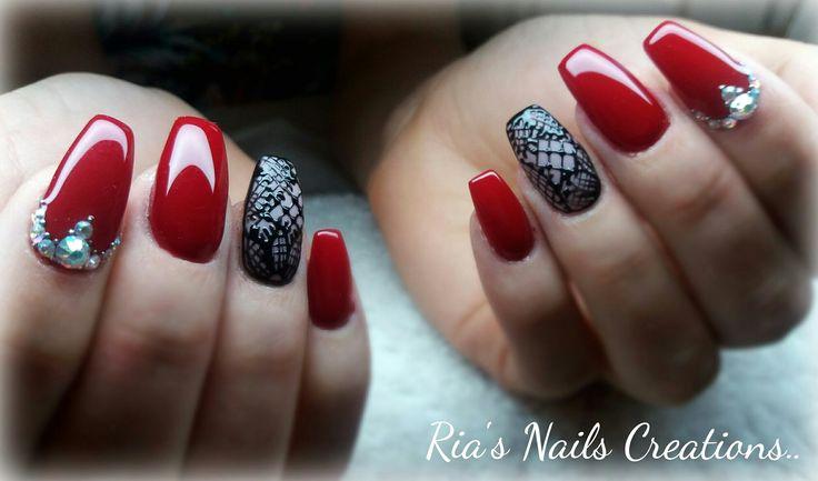 Red black nails design