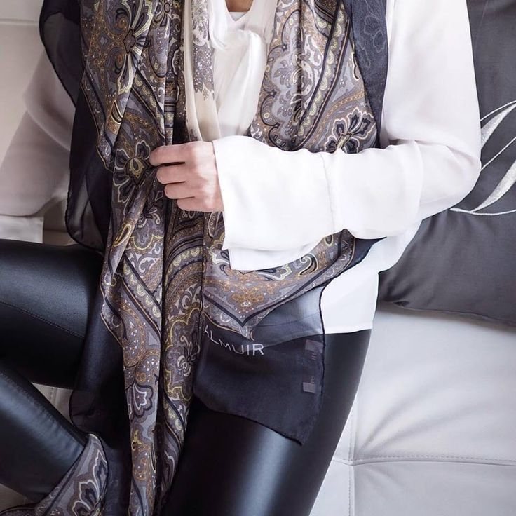 @Mmyrra fell in love with our new Como silk scarf
