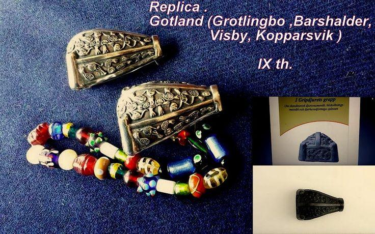 Na sprzedaż .For sale . Replika . Gotlandia (Barshalder) Grób 12 .Gotlandia ( Grötlingbo ,Visby, Kopparsvik).Typ 5.2 .IX w. Material :brąz lub brąz srebrzony , złocony za dopłatą Wymiary : 6,5 cm. x 5 cm. Waga : 10 dkg.xxxxxxxxxxxxx The Replica Brooches .Animal Head Brooch .Gotland (Barshalder) .Grave 12 .Typ 5.2. Gotland ( Grötlingbo , Visby,Kopparsvik).IX th. Material : bronze .Silver plated bronze or gilt bronze = surcharge .Dimensions : 6,5 cm. x 5 cm. Weight : 10 dkg…