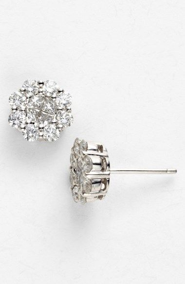 Sparkle studs: the perfect accessory for day and night. http://rstyle.me/n/j28vnn2bn