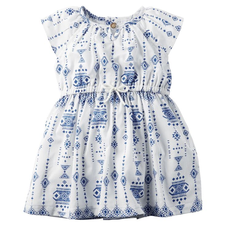 With a fresh porcelain print, cinched waist and flutter sleeves, this pretty dress makes summer style a breeze.