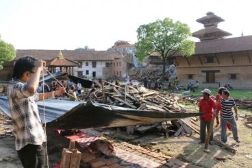 A second major earthquake hit Nepal on May 12, and WFP immediately begin assessing the needs and new challeges ahead for relief operations. (13 May 2015, Photo: WFP/Angeli Mendoza)