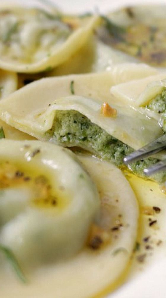 Spinach And Cheese Ravioli With Sage And Garlic Butter ...