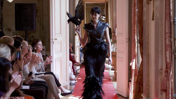 Fashion Show Bernard Depoorter Couture PAris  Hitchcock