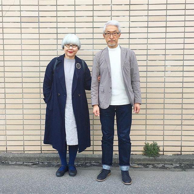 ネイビー&ベージュ 先週末は雪が降って薄いコートじゃ寒かった bonはオールUNIQLO pon ・麻混コート(GU) ・麻ワンピース(studio CLIP) ・ブローチ(娘の友達作) 靴はbon(ZARA)、pon(ノーブランド) #couple #over60 #fashion #coordinate #outfit #ootd #instafashion #instaoutfit #instagramjapan #greyhair #夫婦 #60代 #ファッション #コーディネート #夫婦コーデ #今日のコーデ #グレイヘア #白髪 #共白髪