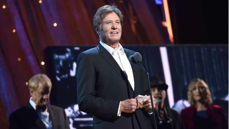 Chicago's Robert Lamm Talks Peter Cetera Absence at Rock Hall #headphones #music #headphones